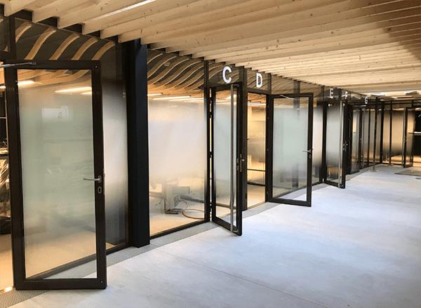 Décoration sur vitre de bureaux
